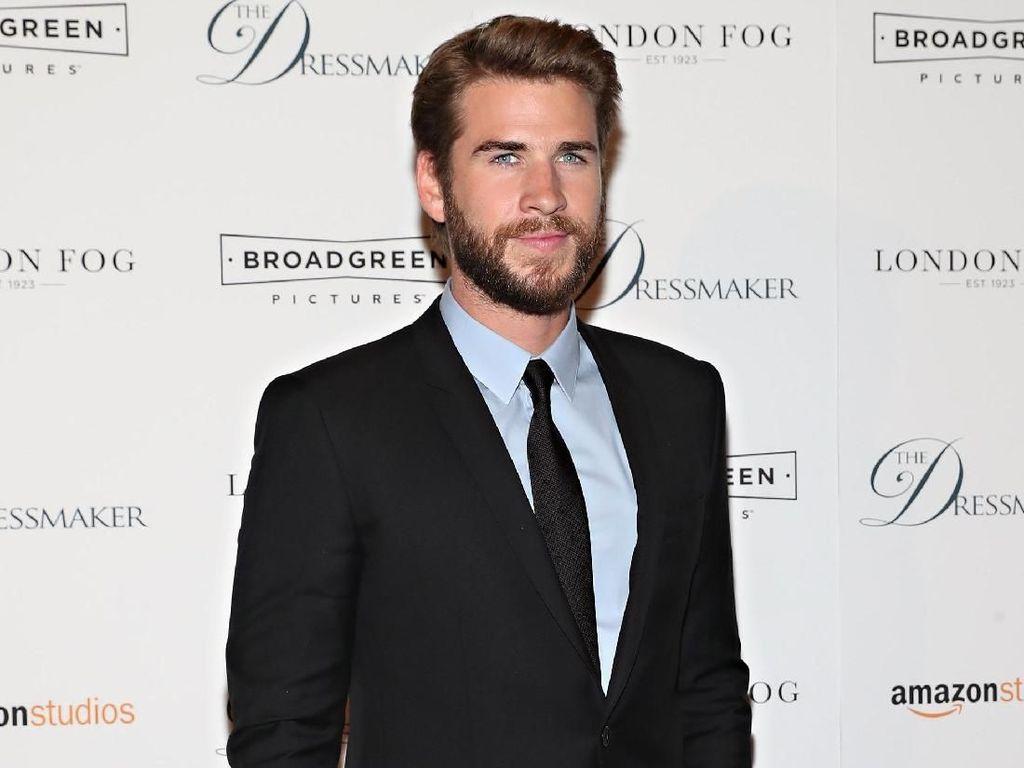 Cerai dari Miley Cyrus, Liam Hemsworth Bahagia Bareng Pacar Baru