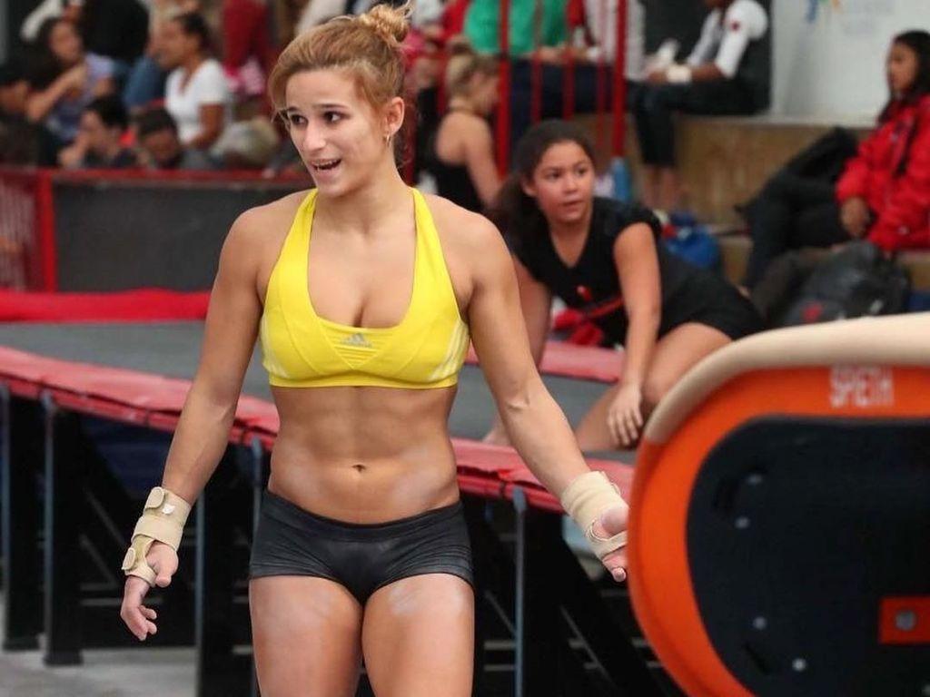 Foto: Perut Sixpack Para Olahragawan Wanita yang Bikin Iri