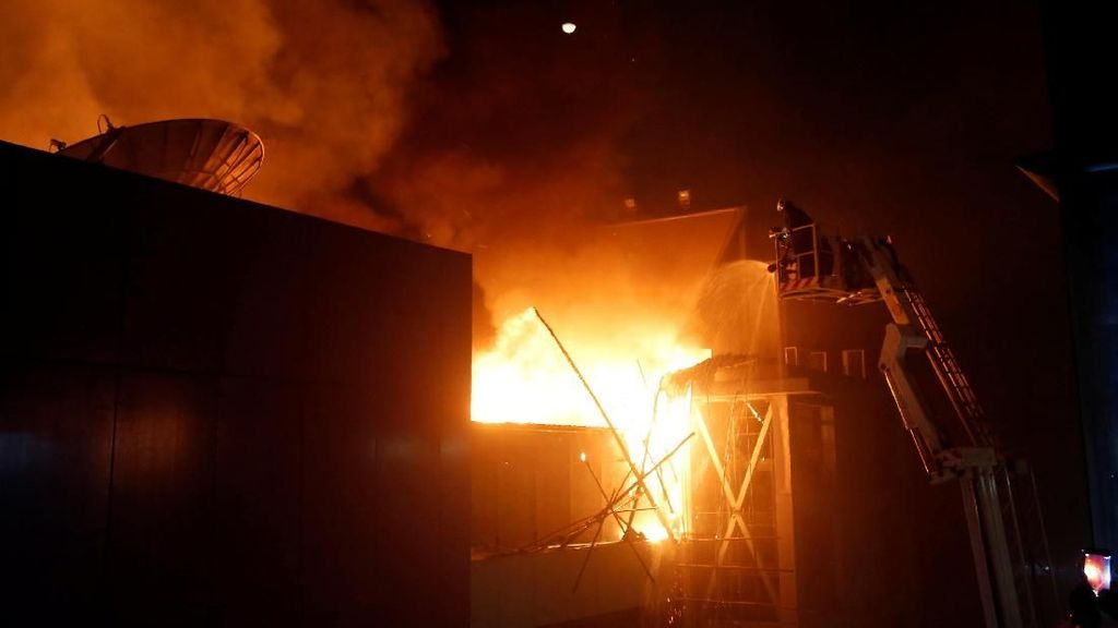 Kebakaran Maut di Mumbai Tewaskan 14 Orang