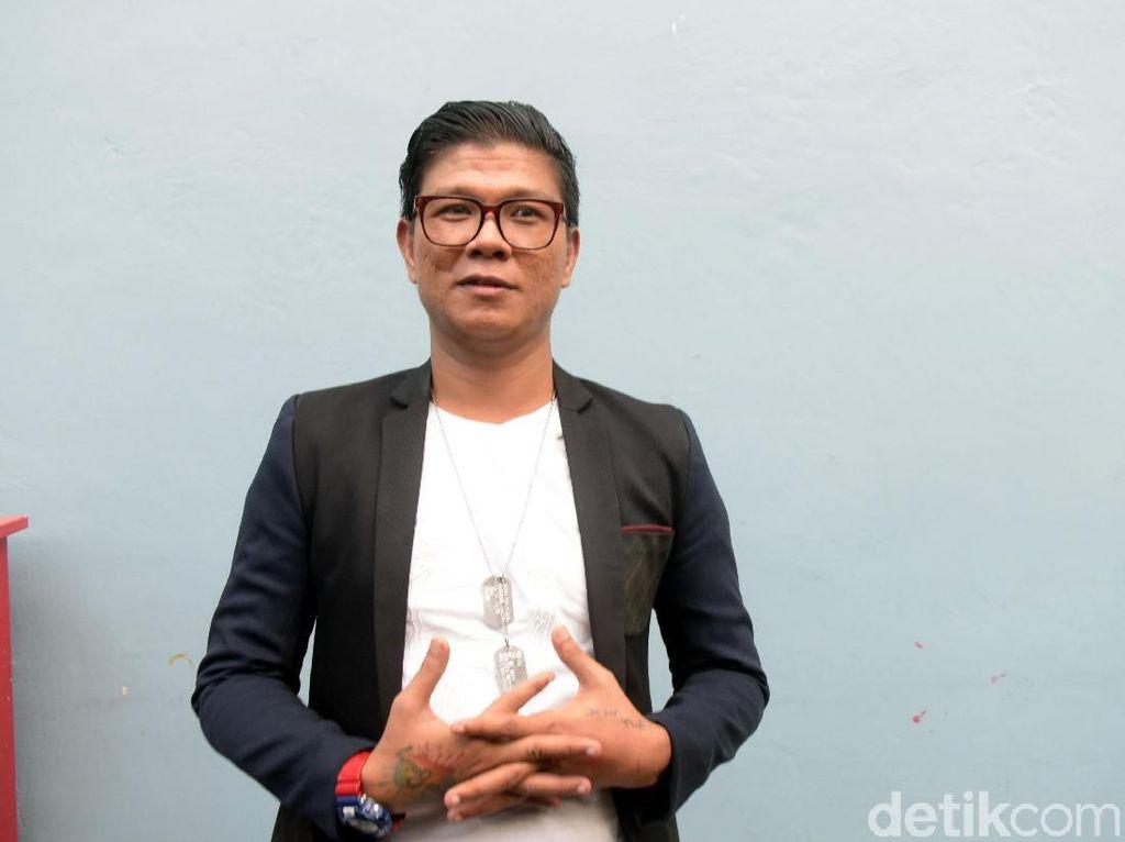 Babang Tamvan Klarifikasi Soal Wajahnya Hampir Ditendang Ayu Ting Ting