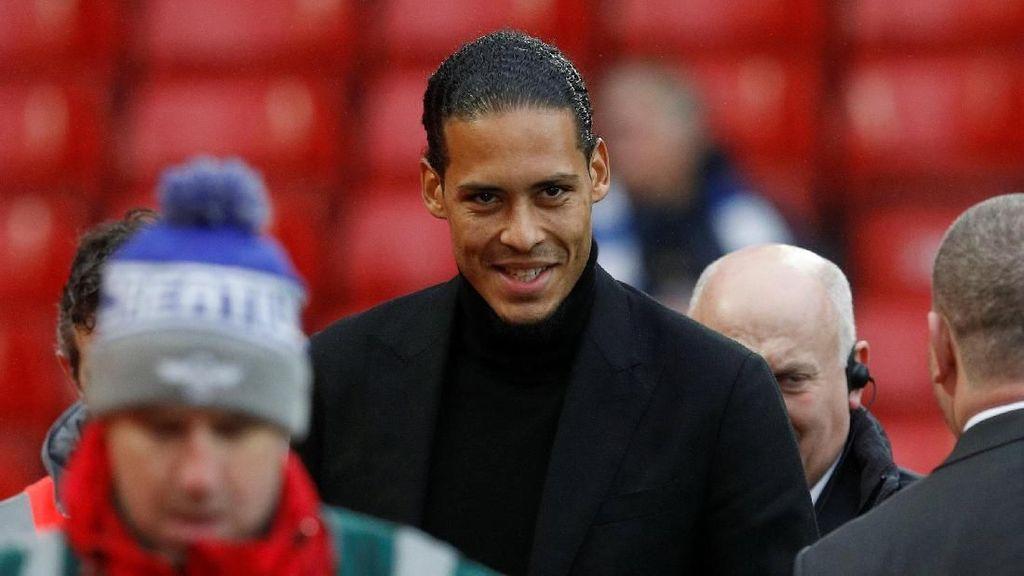 Foto: Nonton di Anfield, Van Dijk Disuguhi Blunder Pertahanan Liverpool