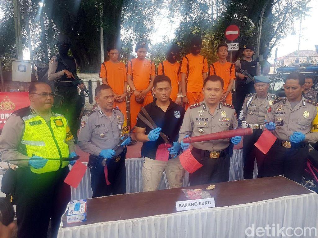 Polresta Sukabumi Pajang Pelaku Kejahatan di Tugu Adipura