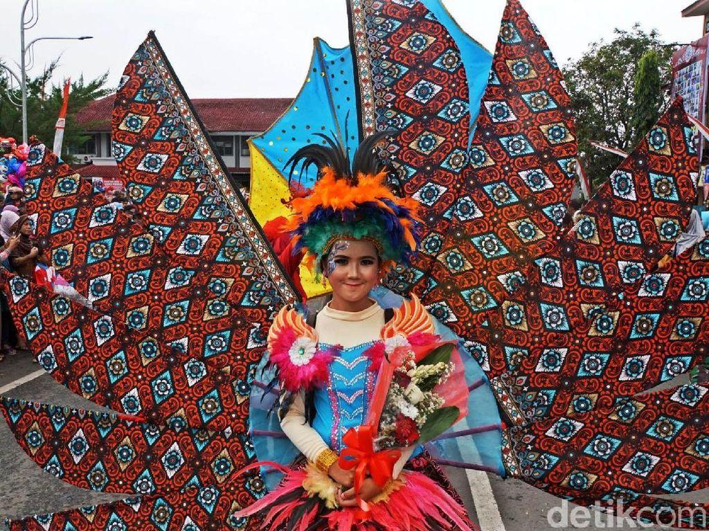 Cantik dan Manis Peserta Pawai Budaya Purbalingga