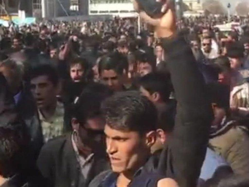 Muncul Video 2 Demostran Antipemerintah Iran Tewas Tertembak