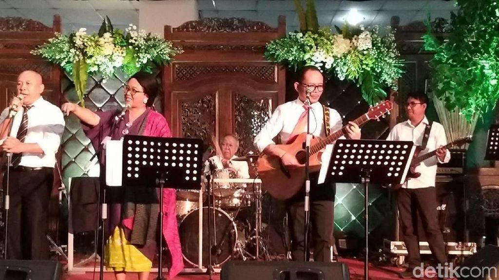 Begini Aksi Panggung Elek Yo Band! Grup Musik Menteri Kabinet Kerja