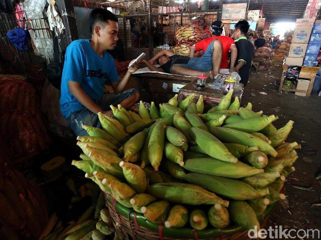 Aji Mumpung, Banyak Pedagang Sayur Mendadak Jadi Penjual Jagung