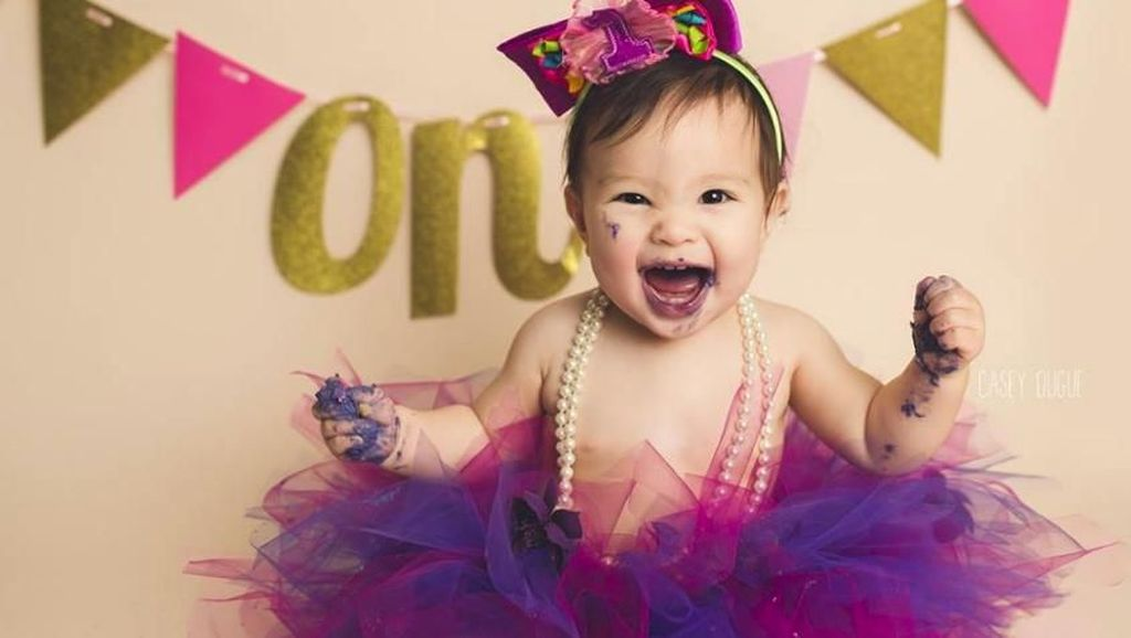 Foto-foto Bayi Ini Bisa Bikin Malam Tahun Baru Makin Menyenangkan