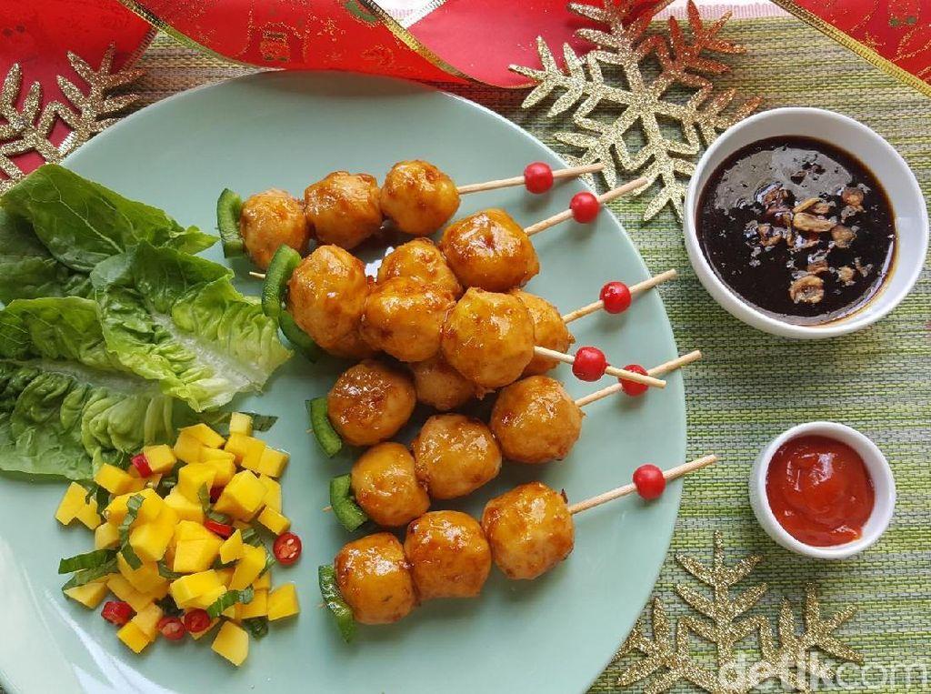 Resep Sate : Fiesta Bakso Sosis Satay with Mango Salsa