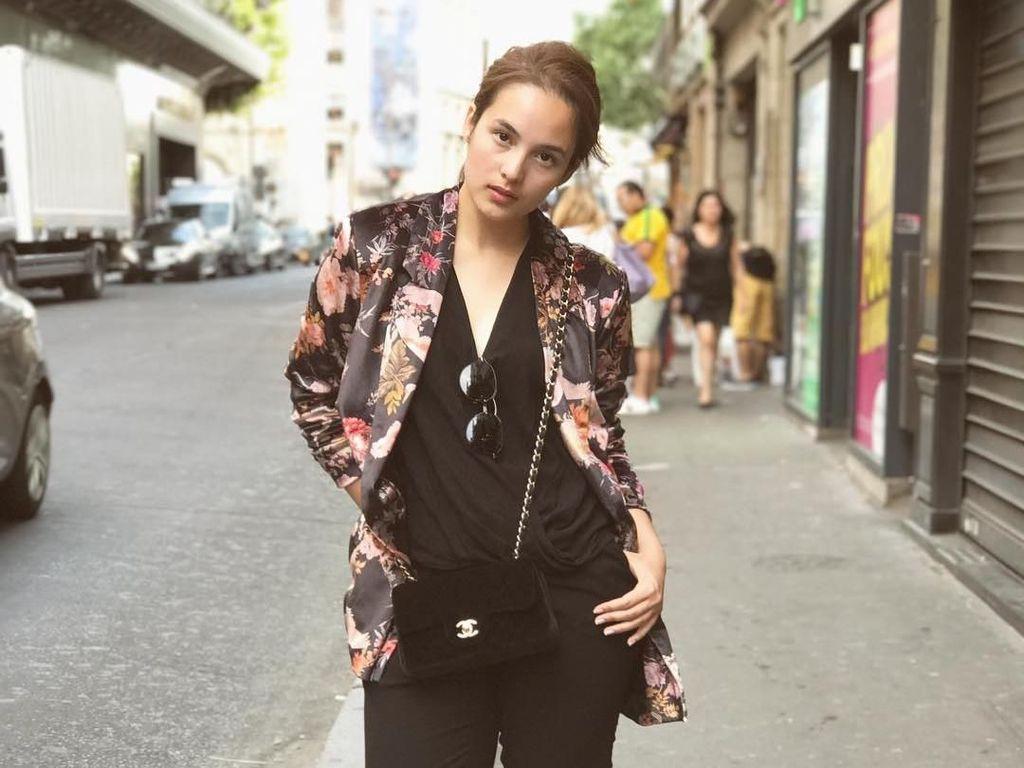 Foto: Adu Gaya 3 Artis Indonesia yang Masuk Daftar Wanita Tercantik di 2017