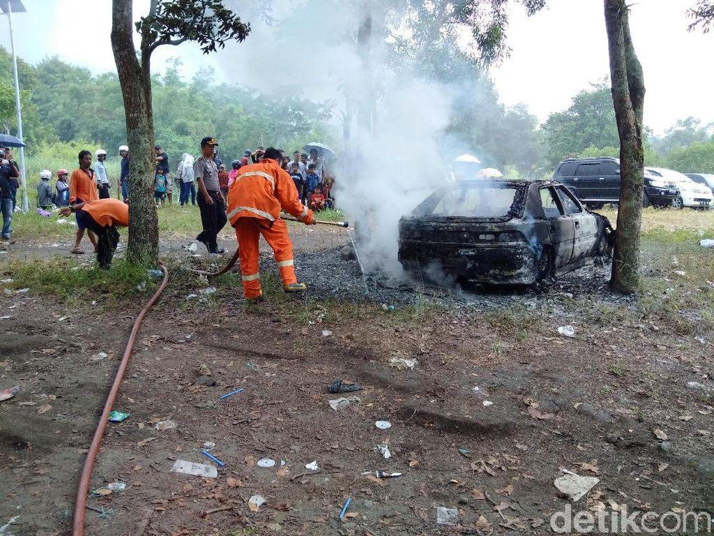 Alat Pemadam Api di Mobil Penting, Bukan Hal yang Aneh