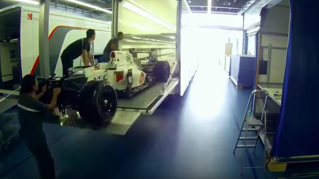 Mengintip Proses Pengangkutan Mobil F1 di Setiap Balapan