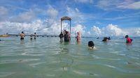Pantai ini ramai dikunjungi pada saat musim libur (Muhammad Iqbal/detikTravel)