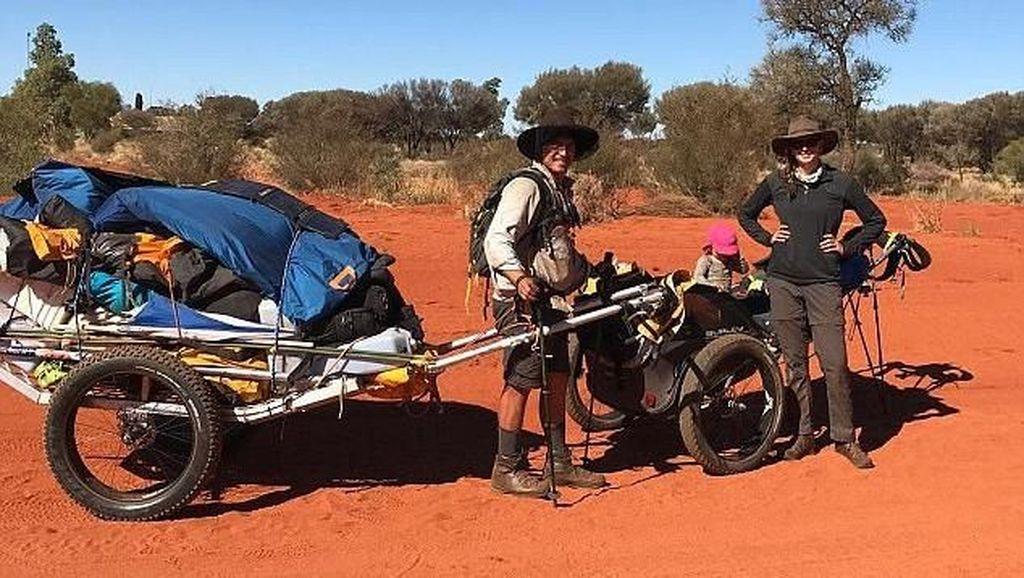 Serunya Saat Bayi 15 Bulan Diajak Orang Tuanya Lintasi Benua Australia