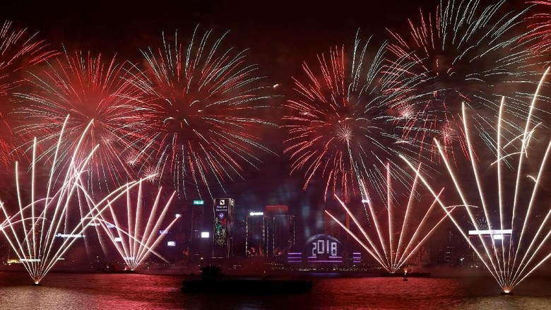 Jutaan Dollar untuk Membakar Langit di Malam Tahun Baru