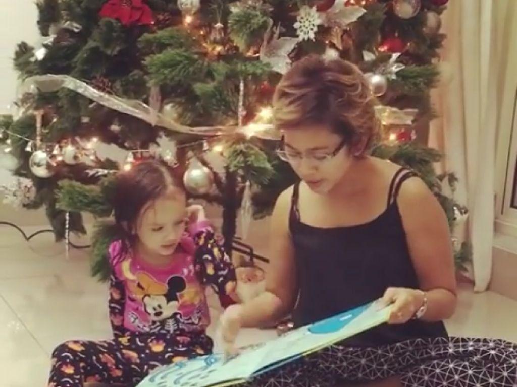 Membiasakan Anak Rajin Membaca Sejak Bayi, Kenapa Nggak?