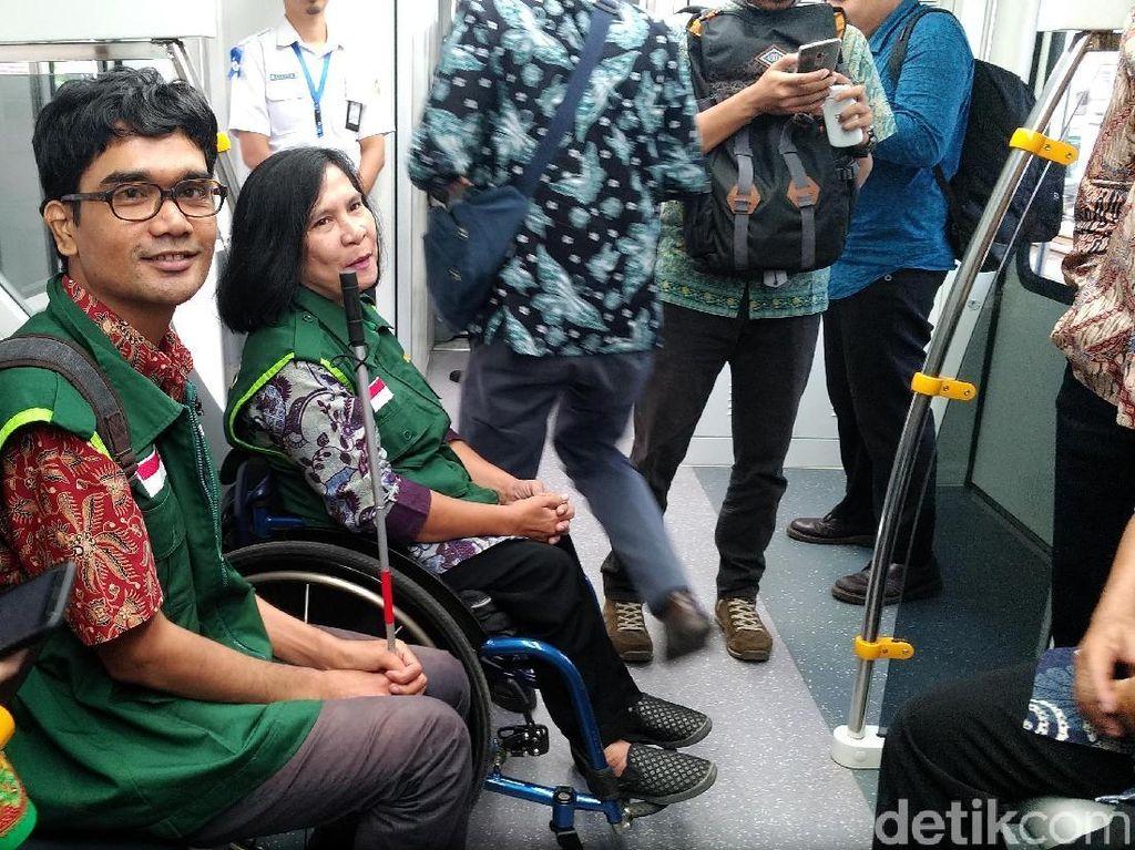 Difabel Keluhkan Fasilitas Kereta Bandara yang Dijajal Jokowi