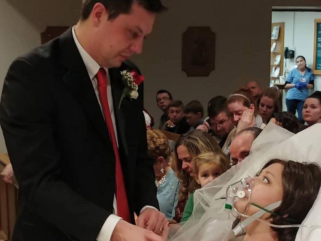 Kisah Sedih Wanita Pengidap Kanker yang Meninggal 18 Jam Setelah Menikah