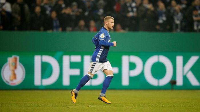 Max Meyers dipastikan meninggalkan Schalke di musim panas nanti. (Foto: Wolfgang Rattay/Reuters)