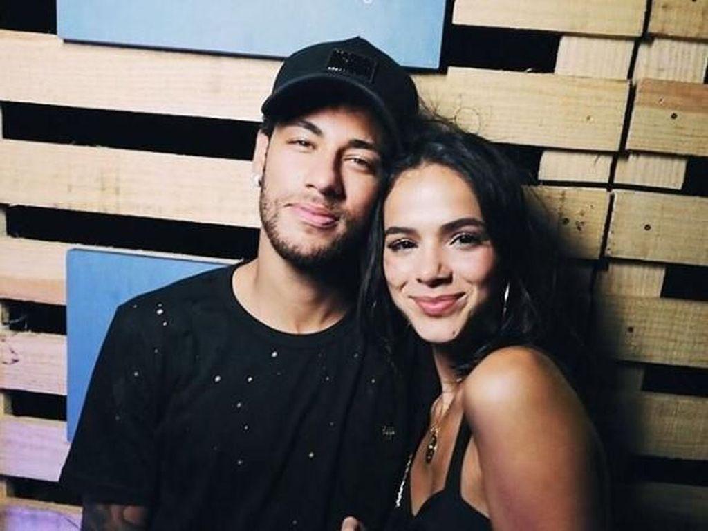 Pamer Foto Mesra, Neymar Balikan dengan Bruna Marquezine