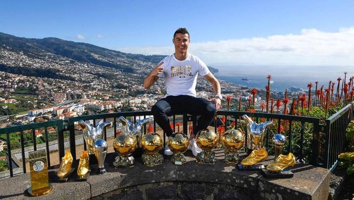 Cristiano Ronaldo sudah kenyang dengan Ballon dOr (Instagram @cristiano)