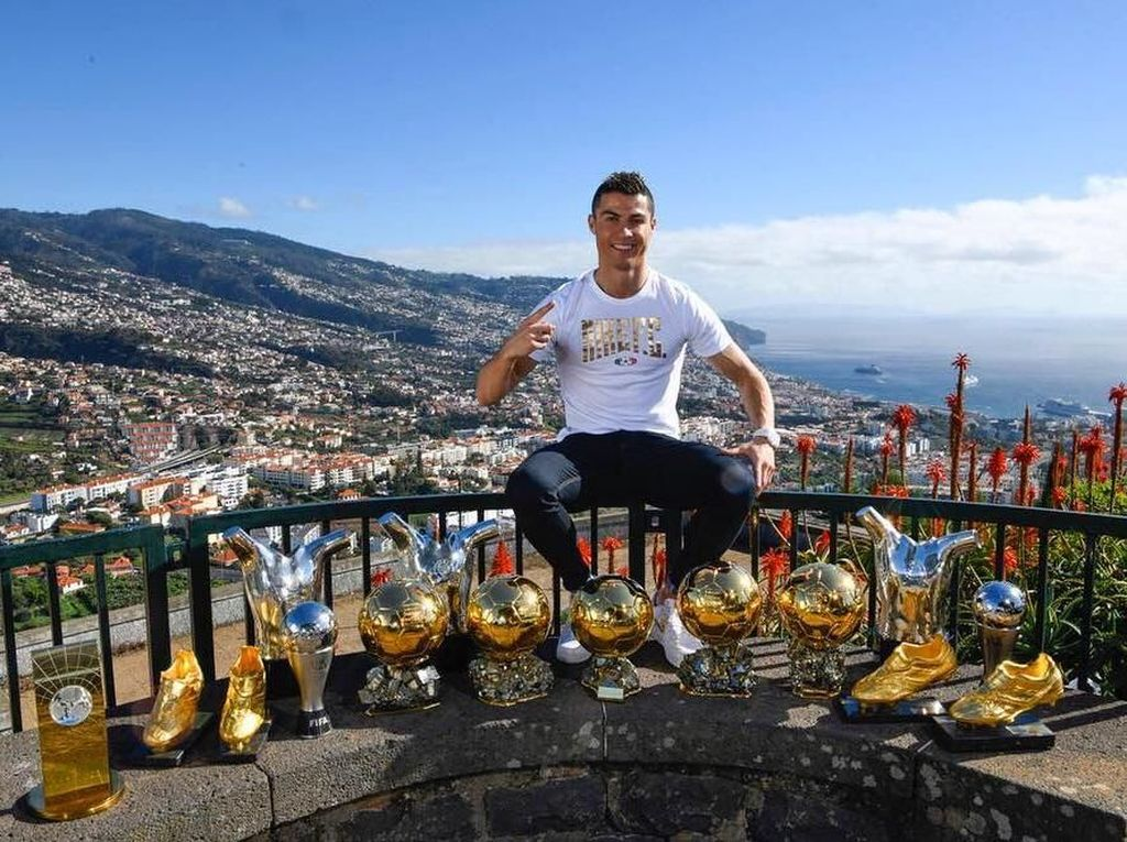 Ronaldo Akan Dikenang Sebagai Legenda, Seperti Johan Cruyff