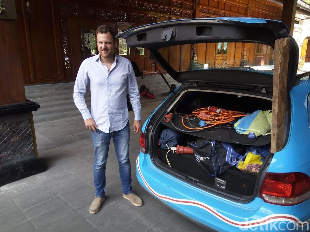 Bule Belanda Modifikasi VW Golf Jadi Mobil Listrik, Mampir ke Solo