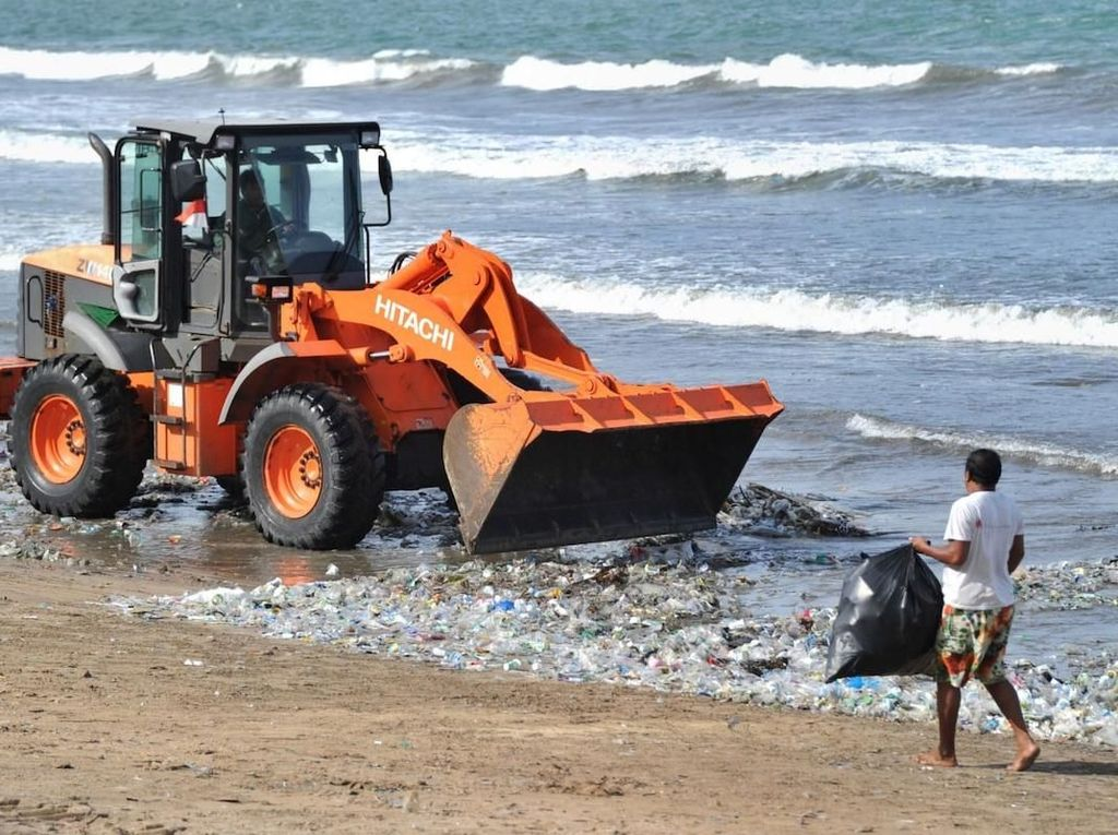 Fenomena Sampah di Pantai Bali Zaman Dulu: Ranting dan Telur Penyu
