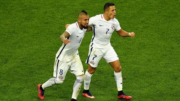 Conte soal Ganti Nomor, Juga Puji Vidal dan Sanchez