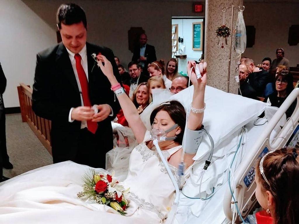 Pasien Kanker Payudara Meninggal 18 Jam Setelah Menikah di RS
