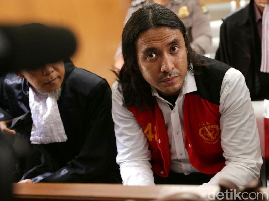 Marcello Tahitoe Dituntut 1 Tahun Penjara