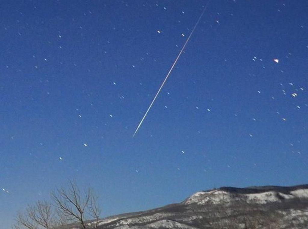 Tips Sederhana Nonton Puncak Hujan Meteor Lyrids Malam Ini