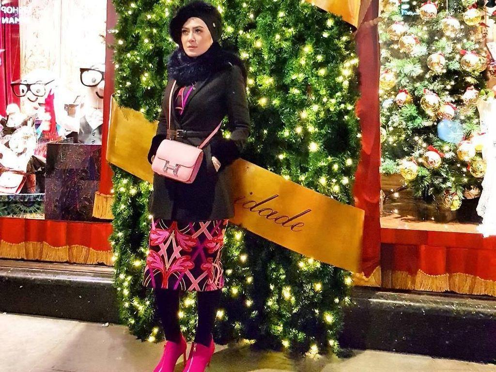 10 Gaya Mewah Vie Shantie, Hijabers Malaysia yang Liburan Bareng Syahrini