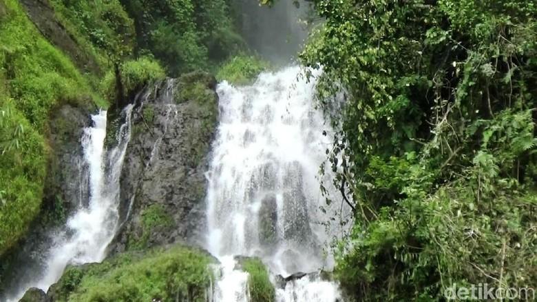 Curug Gunung Putri di Purworejo (Rinto Heksantoro/detikTravel)