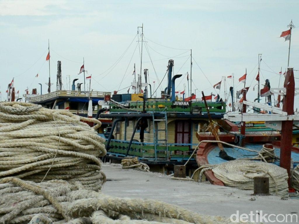 Nelayan Cantrang Tak Melaut, Pelabuhan Tasikagung Rembang Lumpuh