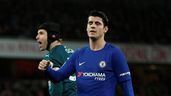 Pemain Chelsea, Alvaro Morata, menempati posisi terbawah di daftar 10 besar pemian yang paling sering menembak. Dia 66 kali melepaskan tembakan, dia baru membukukan 10 gol. (Foto: John Sibley/Reuters)
