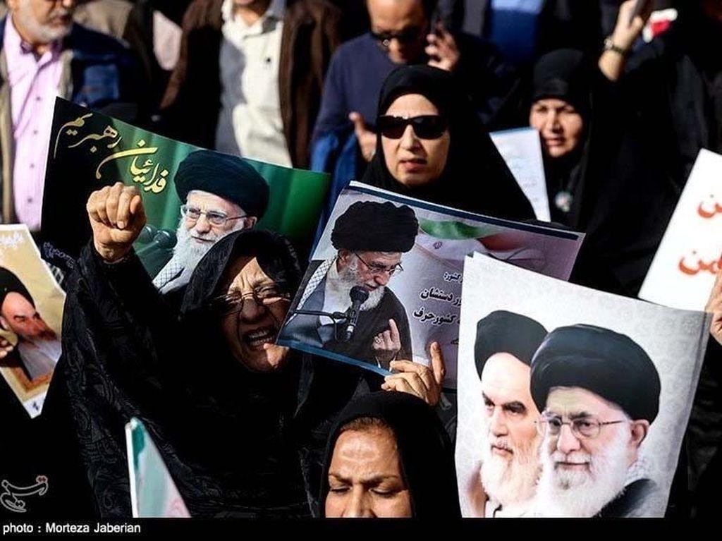 Massa Pro Pemerintah Iran Gelar Demo Tandingan