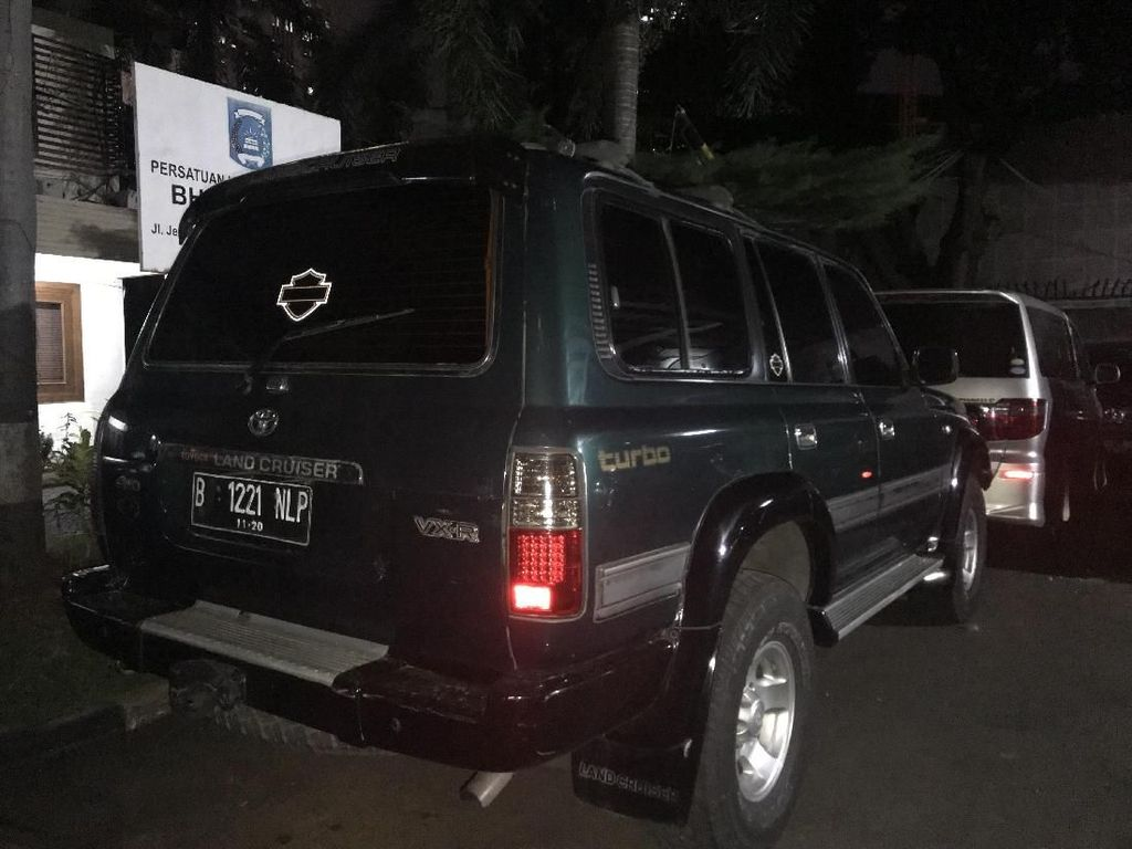 Kelabui Sekuriti, Pencuri Mobil Dokter Menyamar Jadi Sopir Ambulans