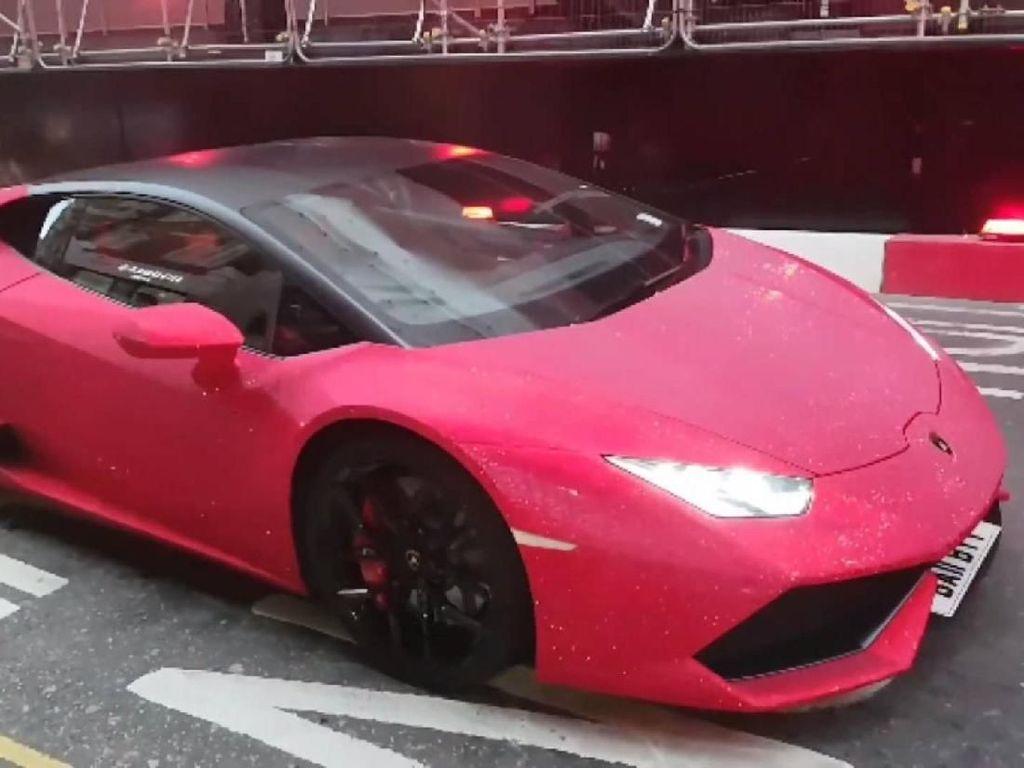 Mewah! Lamborghini Huracan Ini Berbalut Kristal Swarovski