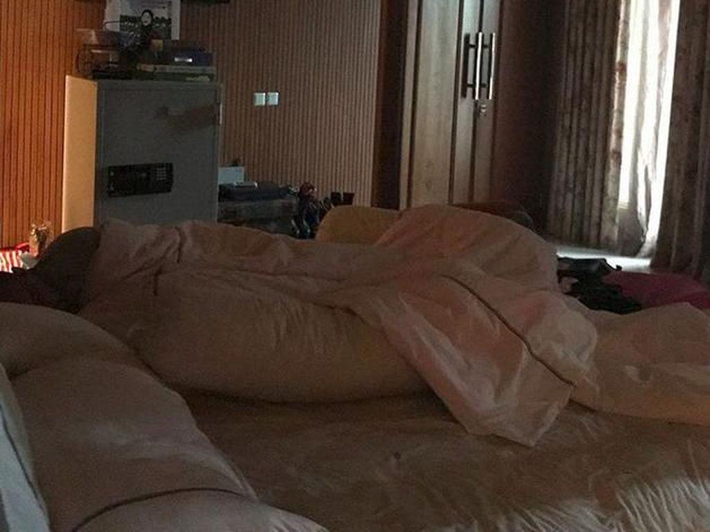 Jennifer Dunn Ditahan, Sarita Posting Foto Haris Tertidur Pulas