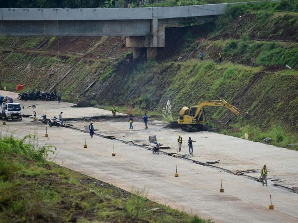 Cek Persiapan Mudik, Menteri PUPR Pantau 2 Proyek Tol Semarang