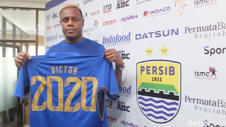 Ada Peluang Victor Igbonefo Main Saat Persib Menjamu Borneo FC