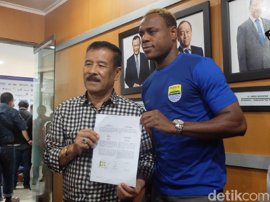 Bek Tengah Persib Bandung Terlalu Padat, Harus Ada yang Dijual