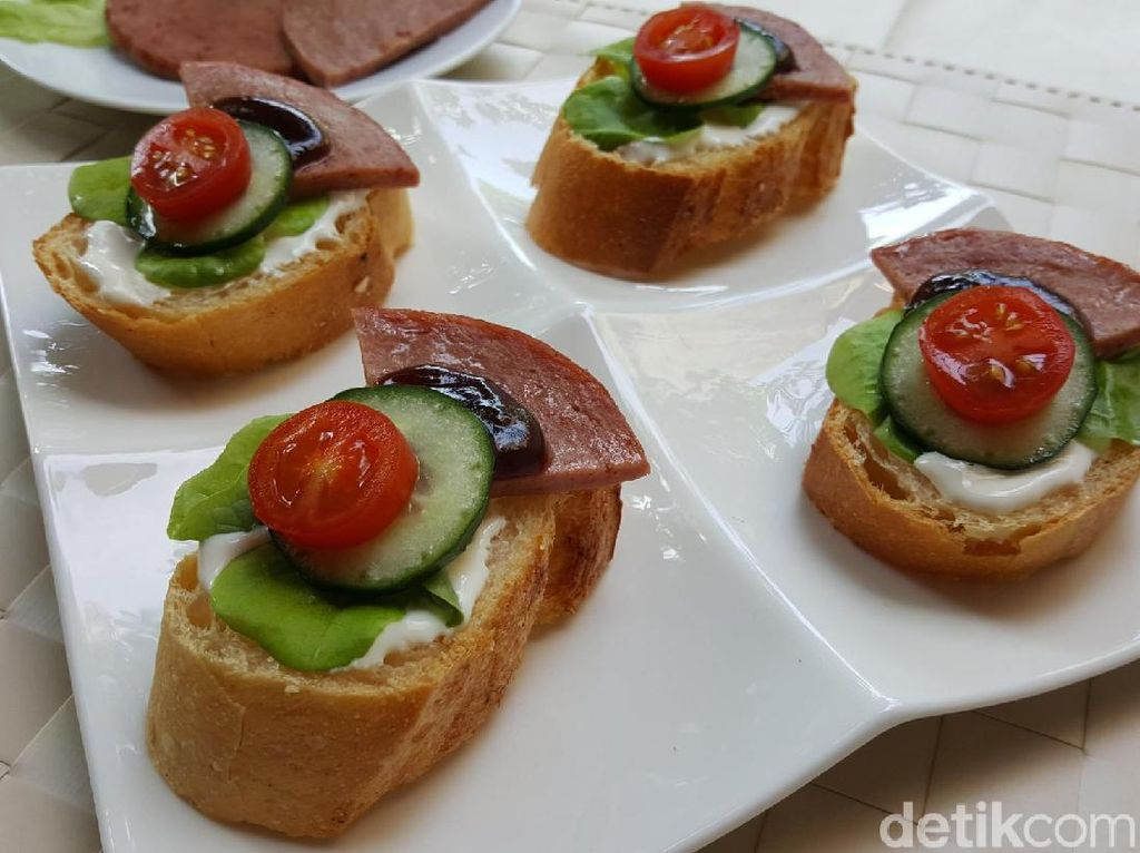 Resep Camilan: Crostini with Fiesta Beef Slice