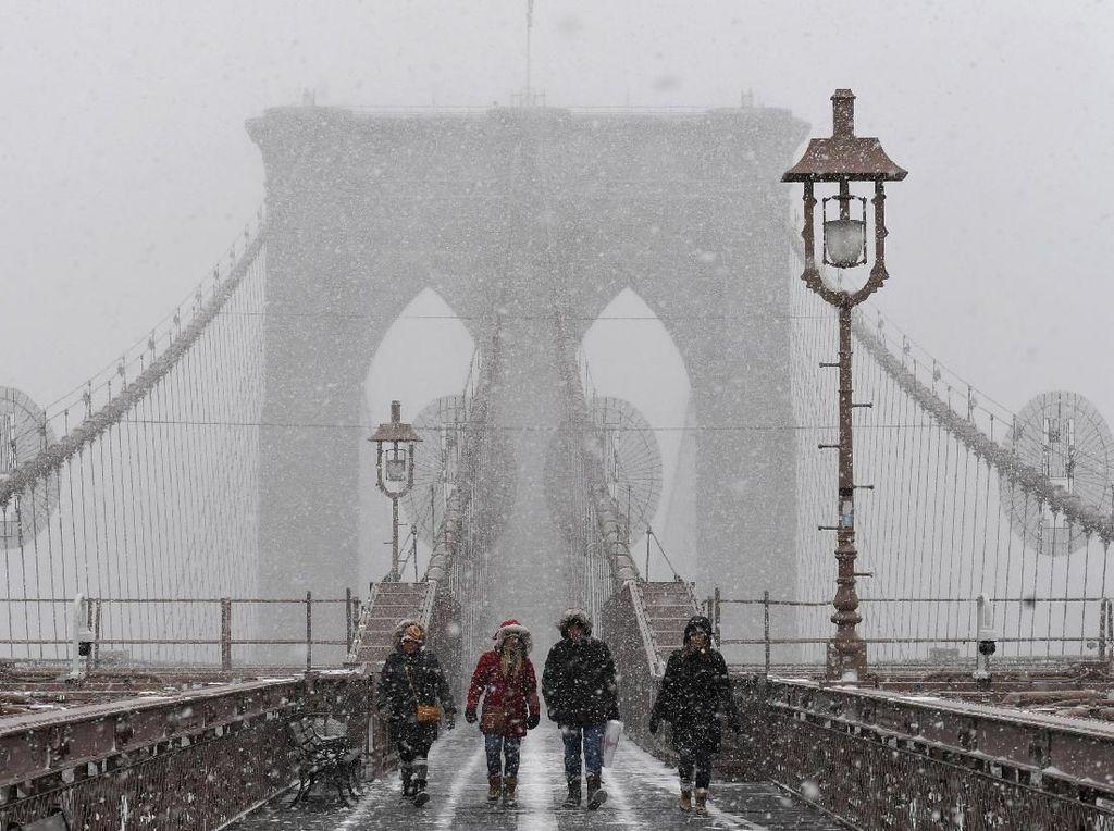 Potret Badai Salju di New York, Central Park Memutih