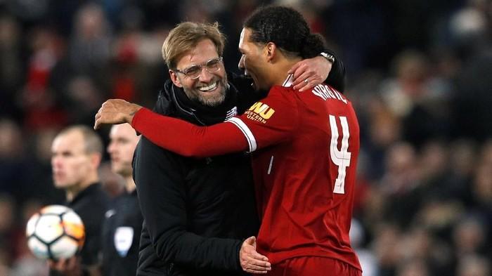 Setelah kalah dari Swansea City, Liverpool harus mempertimbangkan rencana transfernya di musim dingin ini (REUTERS/Phil Noble)