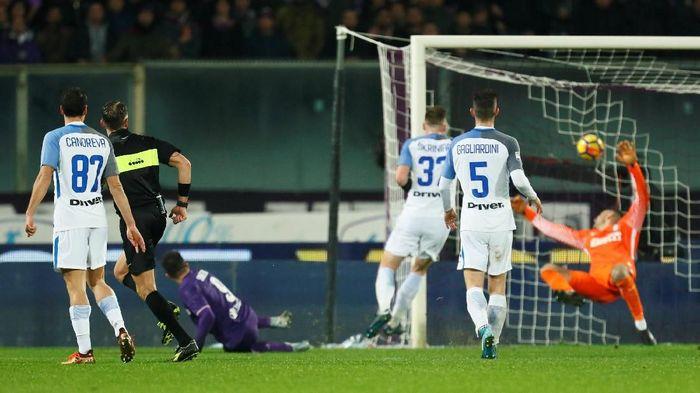 Inter Milan kebobolan di injury time (Alessandro Garofalo/Reuters)