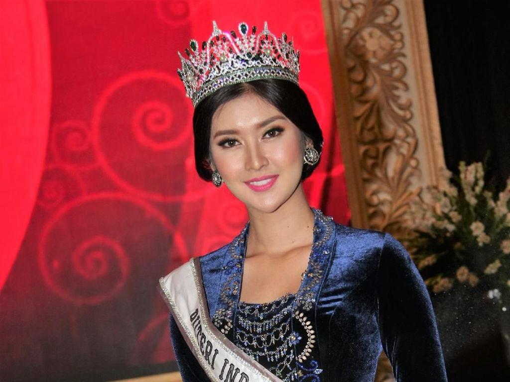 Foto: Cantik dan Anggun Para Puteri Indonesia dengan Sanggul Jawa