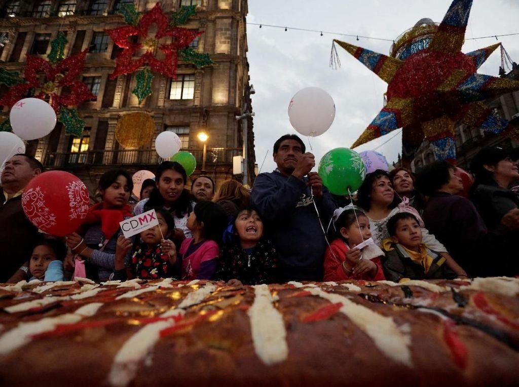 Foto: Meriahnya Pesta Roti Rosca de Reyes di Brasil