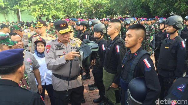 apel gelar pasukan Operasi Mantap Praja Toba 2018 di Lapangan Benteng Medan, Sabtu (6/1/2018).