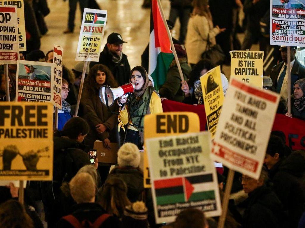 Foto: Demo Warga AS Tuntut ABG Palestina Penampar Tentara Israel Bebas